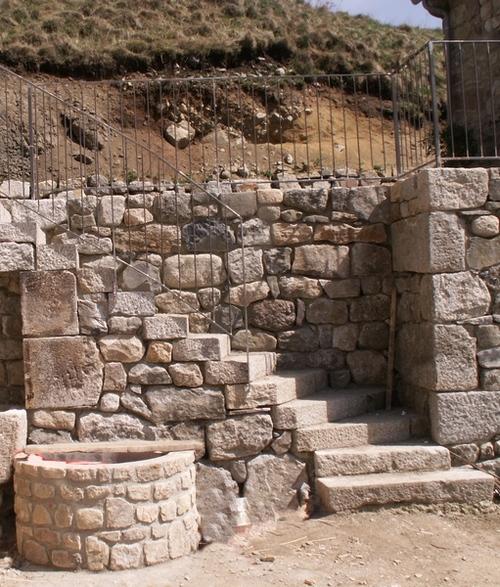 Puits et escalier