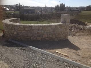 Mur en arc de cercle